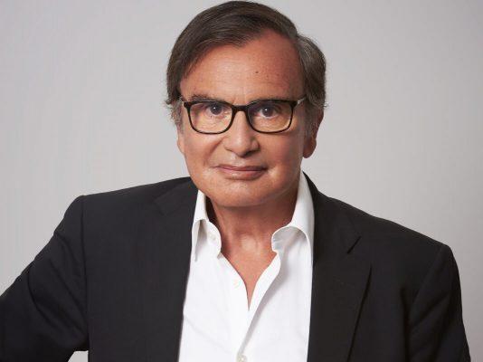 Le Dr Pierre Bouhanna interviewé sur les liens entre santé et chute capillaire